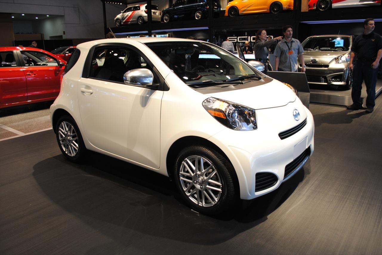The Quasi Micro Scion Iq Is The Perfect City Car