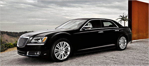 Redesigned 2011 Chrysler 300 Goes Upscale