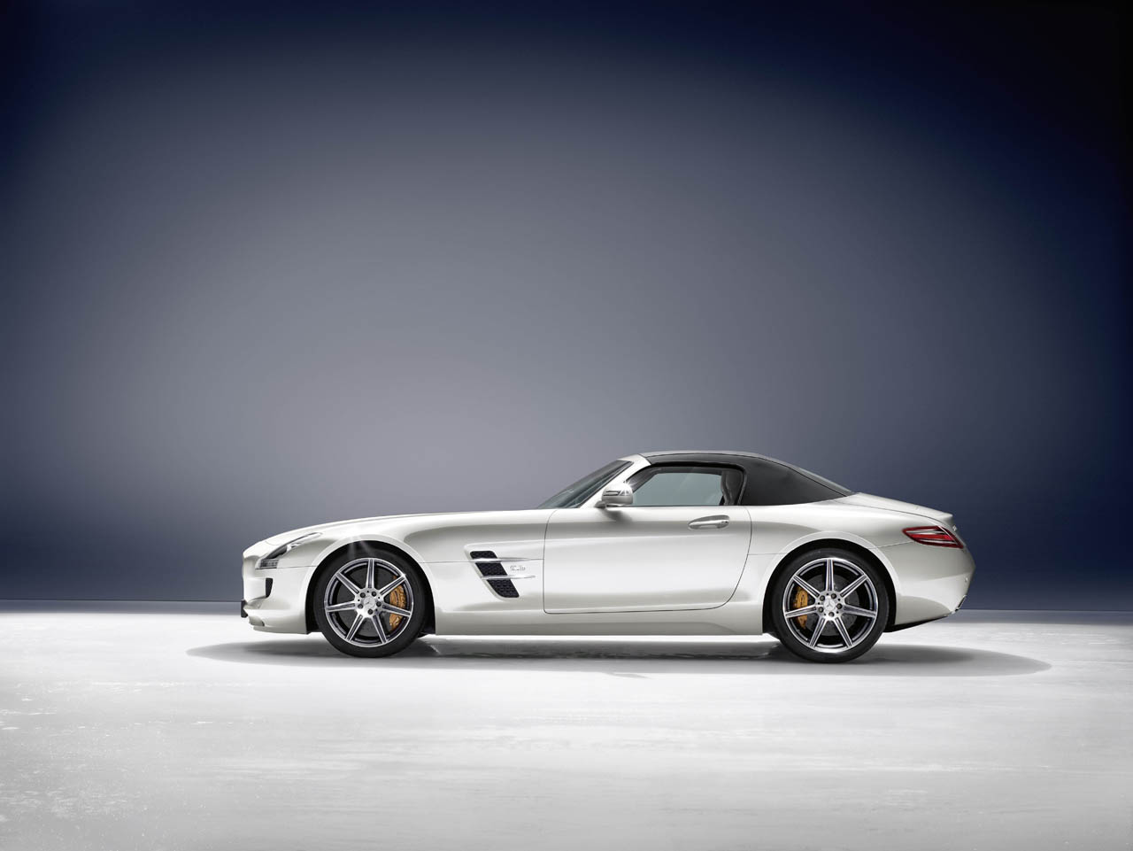 Mercedes benz releases 2012 sls amg roadster for 2012 mercedes benz sls amg