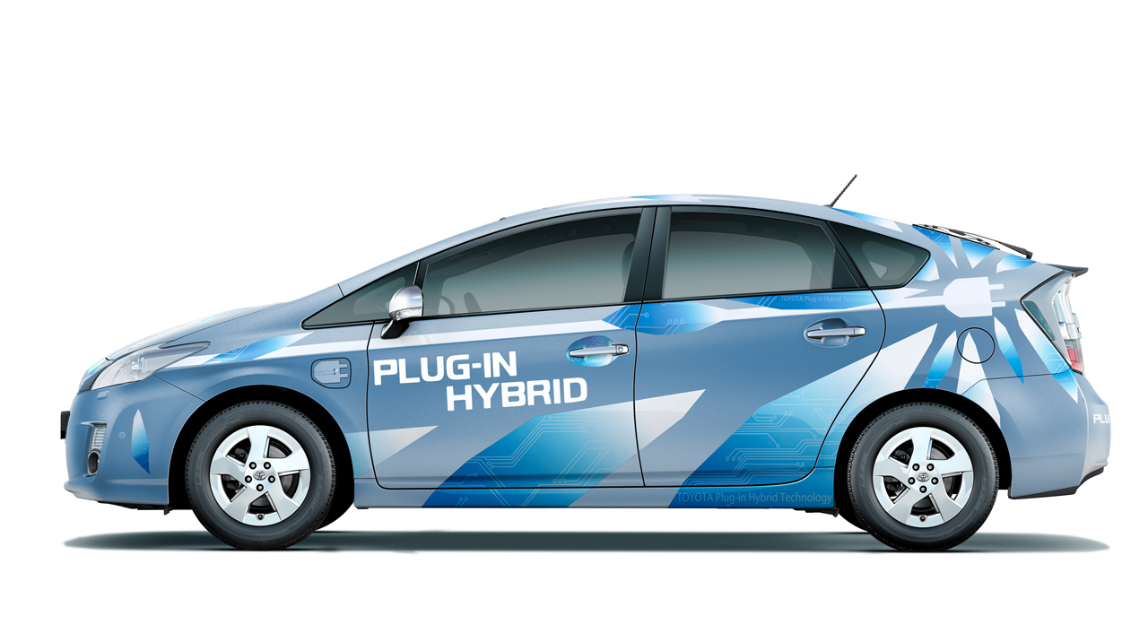 2012 toyota plug in hybrid prius debuts at 87 mpg. Black Bedroom Furniture Sets. Home Design Ideas