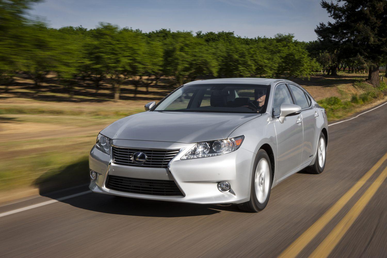 https://arizonafoothillsmagazine.com/autos/wp-content/uploads/2013/01/2013_Lexus_ES_300h_016_1.jpg