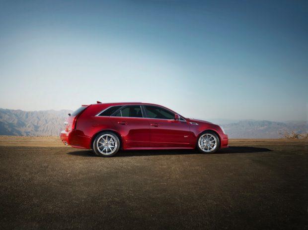2013-Cadillac-CTSVwagon