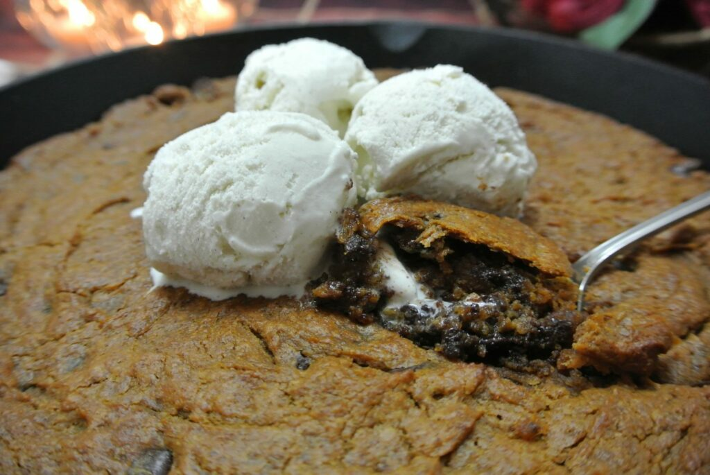 Healthy Pumpkin Peanut Butter Cookie Skillet... need I say more?