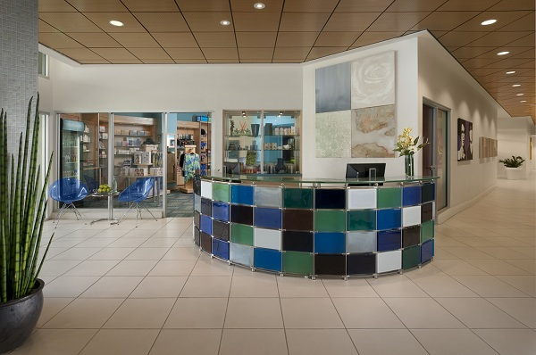 VH Spa lobby & boutique
