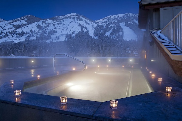 Teton Mountain Lodge rooftop hot tub