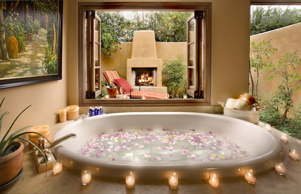 Book the Acqua Dolce room for romantic treatments