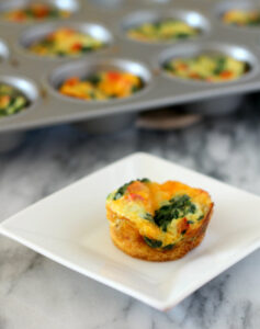 spinach-red-pepper-mini-frittatas-3-600