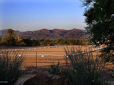 Scottsdale - 10 acres of horse property - 2000000