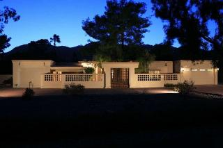 Paradise Valley - Home on acreage in Valley Vista Estates - 790000