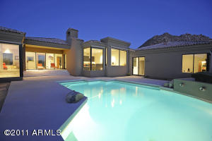 Scottsdale - Golf Course Home in gated Community of Troon - 835000