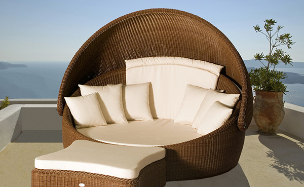 Outdoor furniture - luxury tips