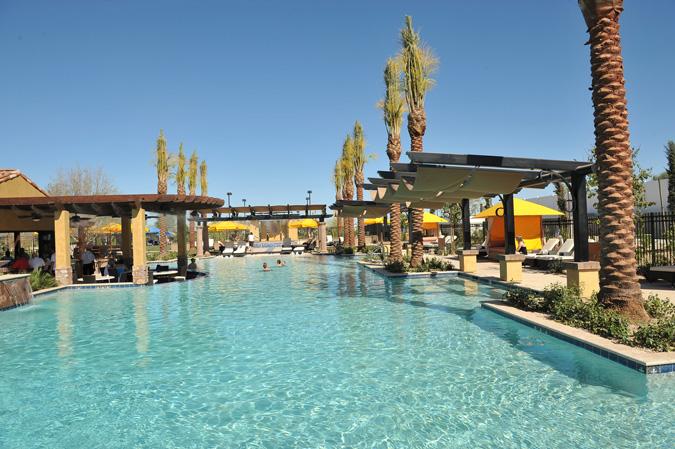 resort-pool-at-encanterra-now-open