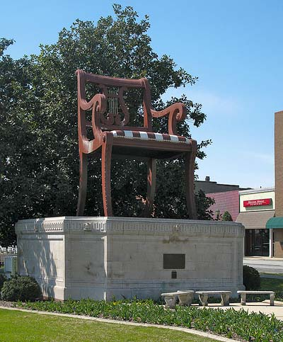 Erected The Chair An 18 Foot Tall Monument Stationed In Downtown Thomasville North Carolina Represented Company S Roots